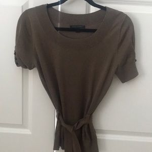 Brown short sleeve sweater